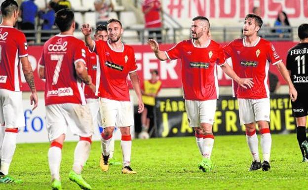 ¿Cómo gestionará el Real Murcia la delantera?